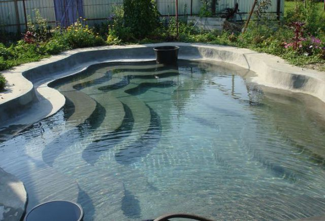 a_homebuilt_swimming_pool_thats_pretty_awesome_640_18
