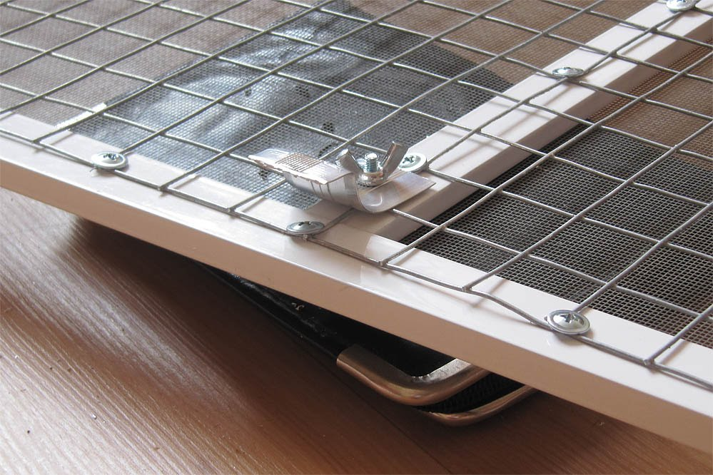 Как сделать решетку на алюминиевом окне балкона..