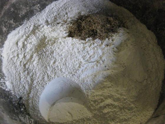 белый-цемент-основа-гипертуфа-560x420