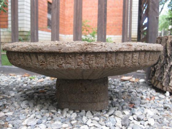 каменный-вазон-560x420