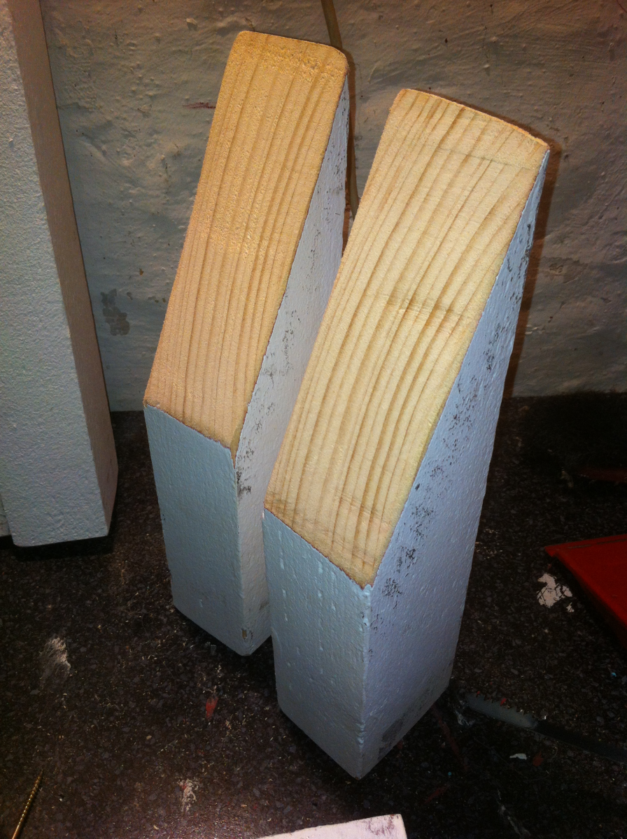 pallet-sofa-backrest-pillars-3