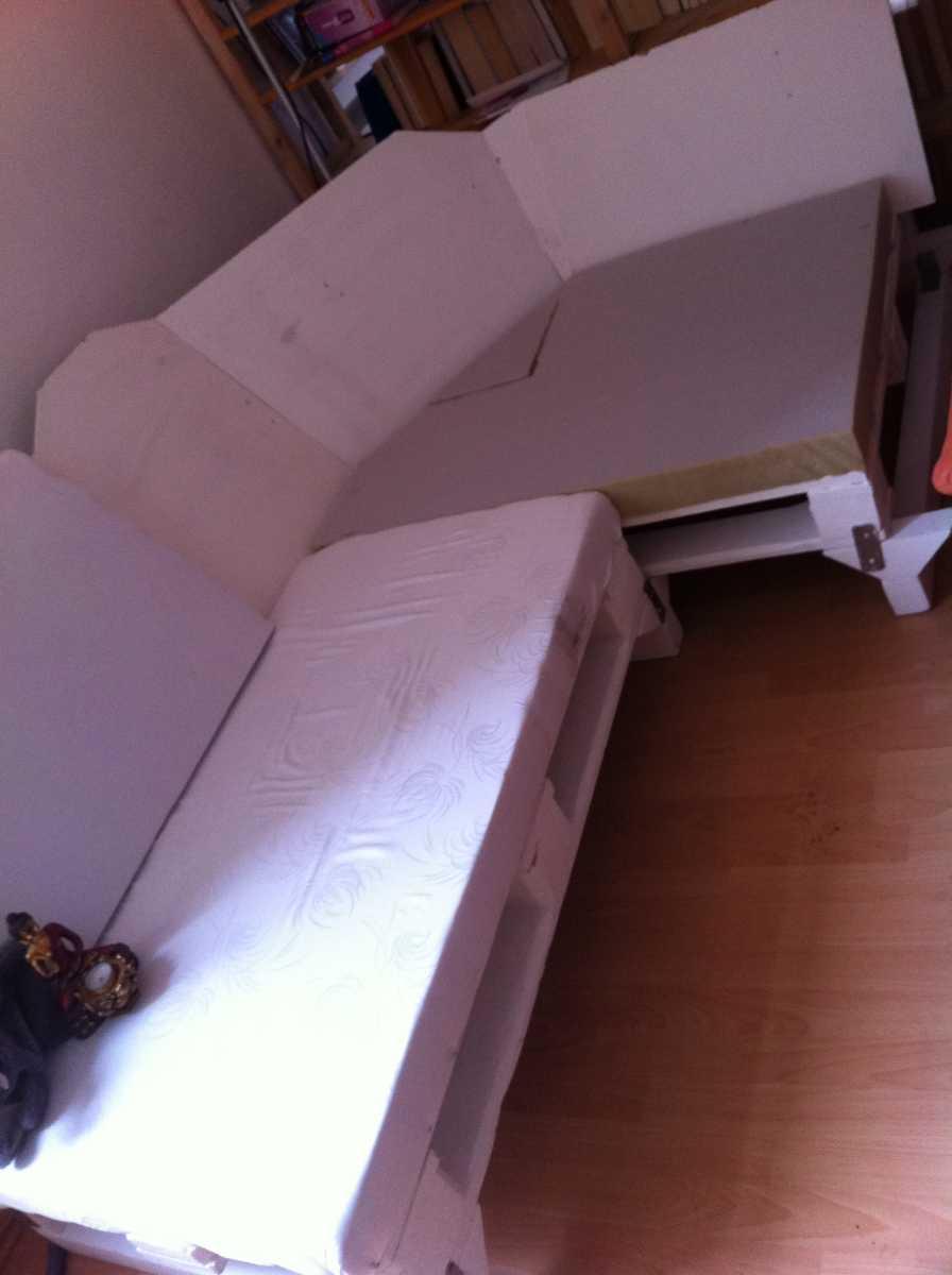 pallet-sofa-corner-upholstering-07