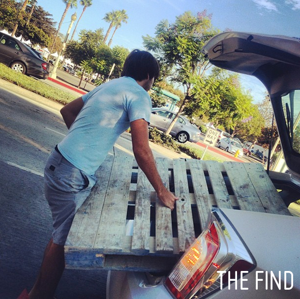 pallet_table_thefind_1