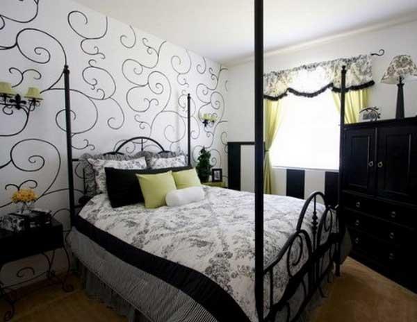 Модные комбинированные обои в спальне