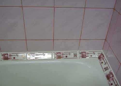 заделка между ванной и стеной