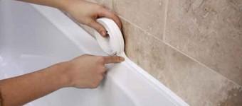 герметизация между ванной и стеной