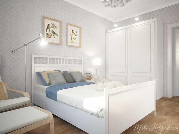 Большая кровать в маленькой спальне в стиле минимализм