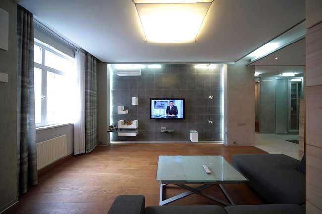 Вид с дивана на телевизор в современной гостиной