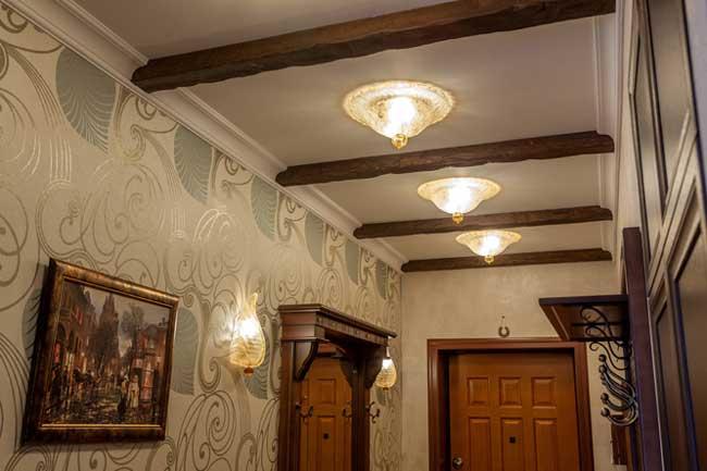 Дизайн освещения коридора в квартире в классическом стиле