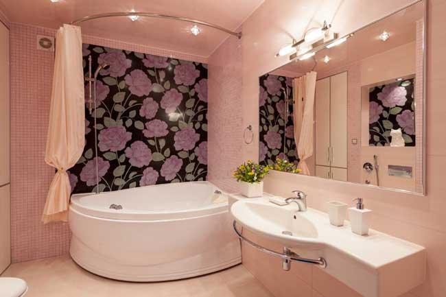 Угловая ванна и точечный свет в ванной комнате. Дизайн интерьера