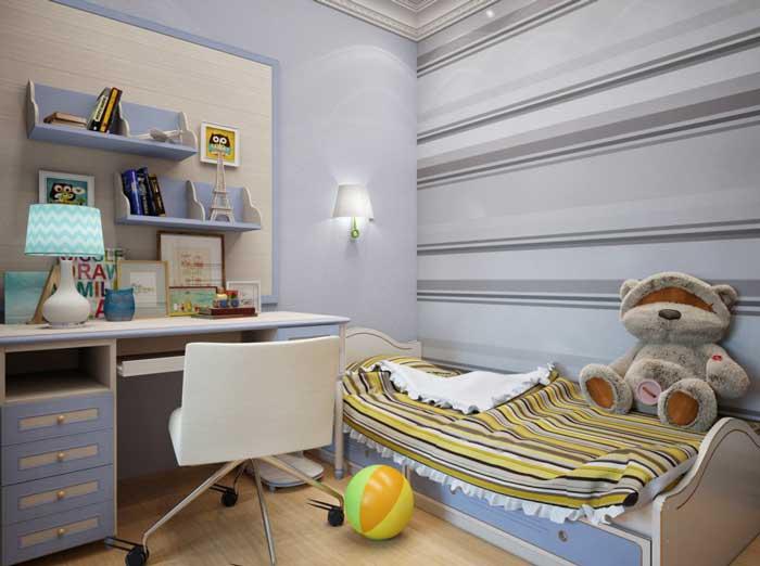 Оформление десткой комнаты классический . Маленькая детская с письменным столом