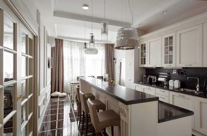 Кухня-столовая с барной стойкой. На полу глянцевая керамическая плитка