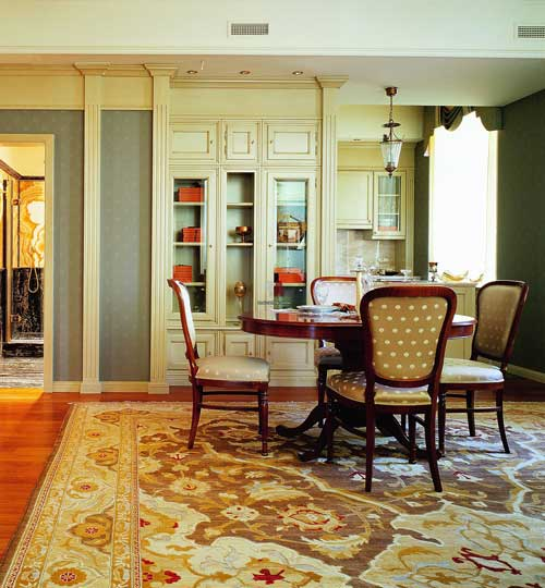 Дизайн гостиной в классическом стиле в кремовых тонах