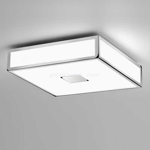Плафонный светильник в ванной