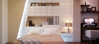 Дизайн красивой и современной спальной комнаты с подиумом и подсветкой пола