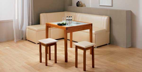 Интерьер кухни с угловым диваном фото 18