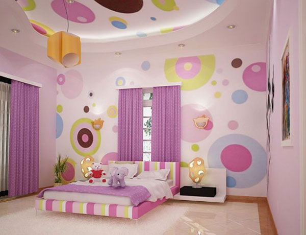 Комната для девочки с потолком из гипсокартона после ремонта