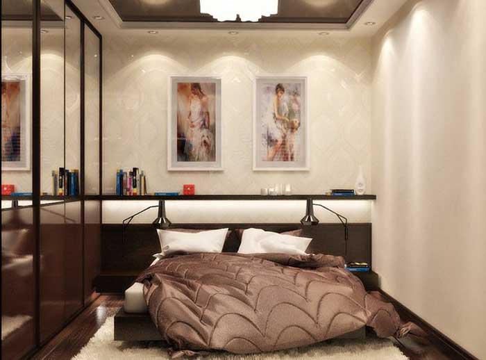 Светлая спальня с большой кроватью шоколадного цвета