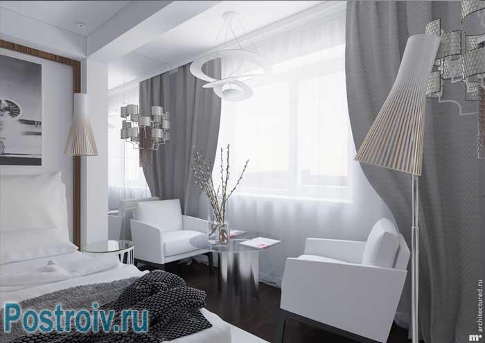 Серые шторы в интерьере спальни 17-18 кв. м. Фото 8