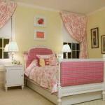 Розовые занавеси для комнаты девочки
