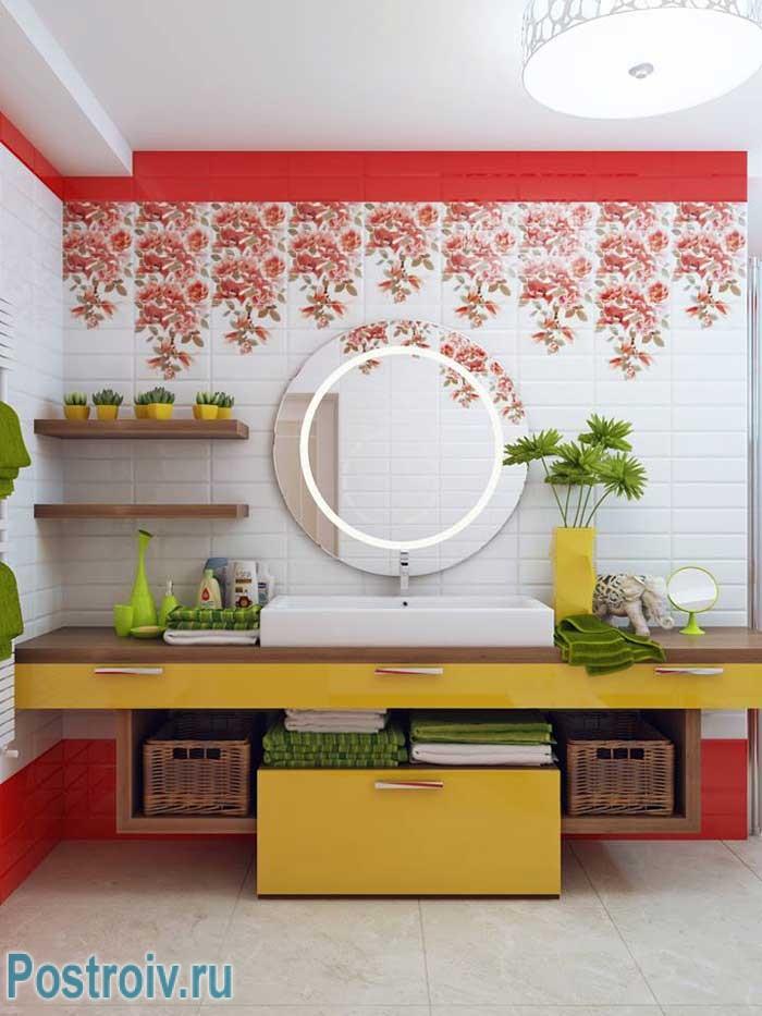 Праздник цветов в интерьере ванной комнаты. Фото