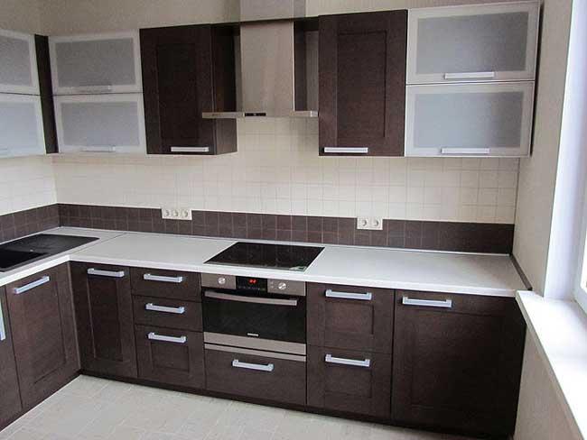 Дизайн кухни цвета венге. Фото 1
