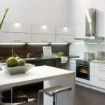 На кухне в стиле хай-тек можно ставить барную стойку
