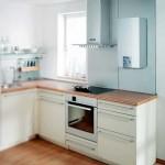Светлая маленькая кухня в хрущевке с газовой колонкой дизайн интерьера