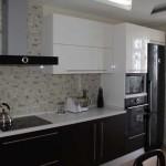 Оформление кухни черным и белым цветом