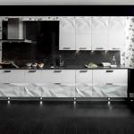 Дизайн современной кухни белого цвета с черным полом