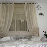 Красивые нитяные шторы в интерьере спальни 2014