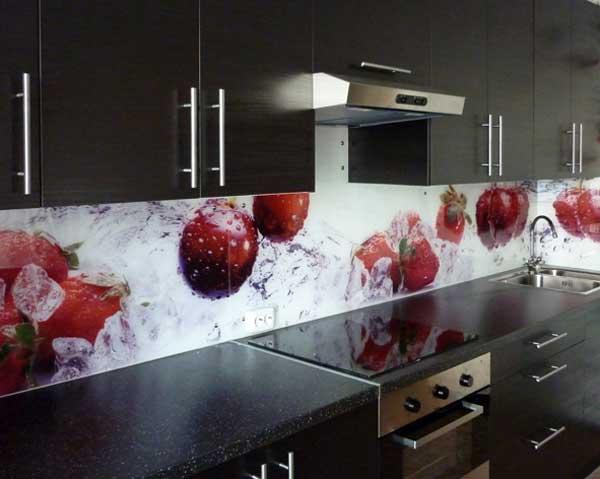 Цвет скинали для кухни венге. Фото 13