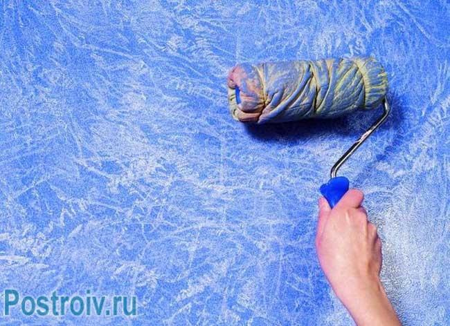 Необычное применение валика для декоративной штукатурки