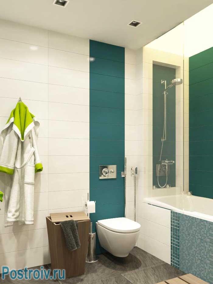 Подвесной унитаз в интерьере маленькой ванной совмещенной с туалетом