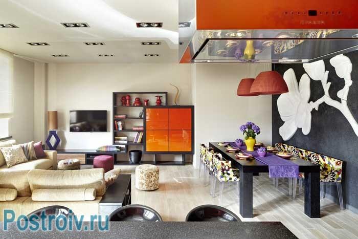 Дизайн большой гостиной в стиле Фьюжн. Модные интерьеры 2014
