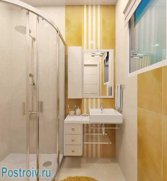 Душевая кабина в ванной комнате 4 кв. м. Фото