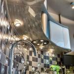 Дизайн интерьера кухни 9 кв. м. Нестандартная планировка с островом на такой маленькой площади