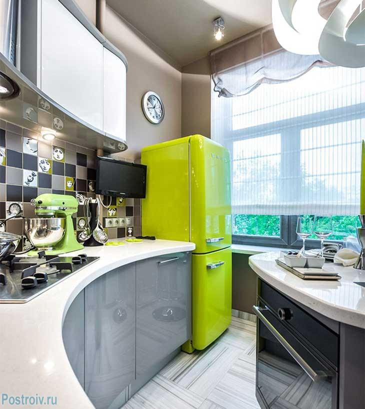 Получился очень светлый дизайн кухни всего 9 кв. м.