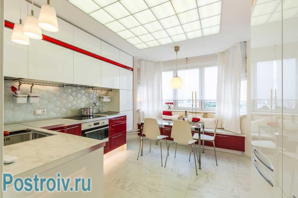 Современный дизайн кухни с эркером в стиле минимализм