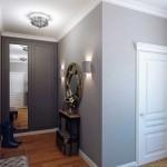 Прихожая в квартире, дизайн интерьера небольшой прихожей в серых тонах - Фото