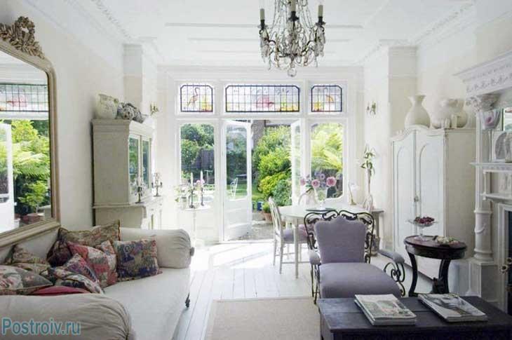 Французский стиль в интерьере гостиной. Фото