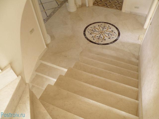 Лестница из травертина - Фото 09