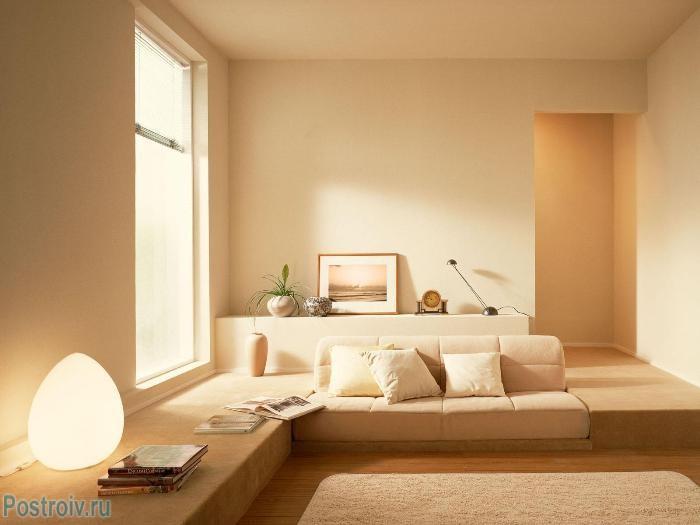 Преобладание одного цвета в интерьере гостиной - Фото 08