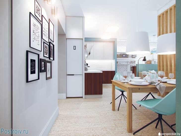 Интерьер 3 комнатной квартиры. Декорирование белой стены рамками разных размеров. Фото
