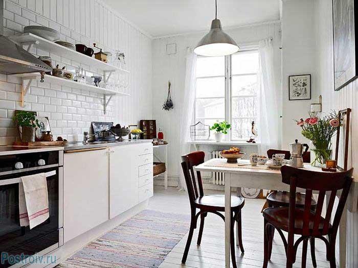 Скандинавский бюджетный стиль в интерьере кухни. Фото