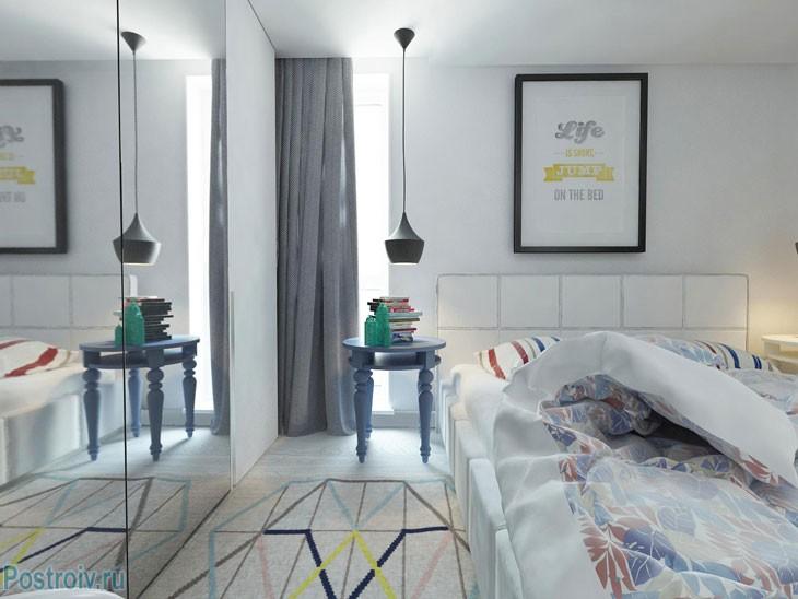 Серые шторы в спальне. Фото