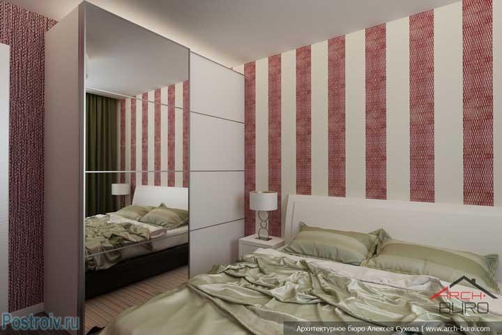 Белая кровать и белые прикроватные тумбочки. Фото