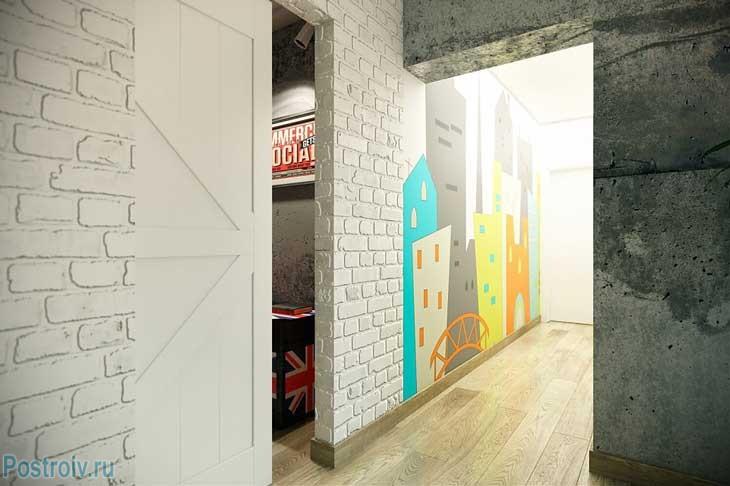 Отделка коридорчика белым кирпичом. Фото