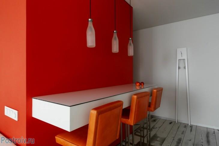 minimalisticheskij-dizajn-interera-v-krasno-belykh-tonakh27
