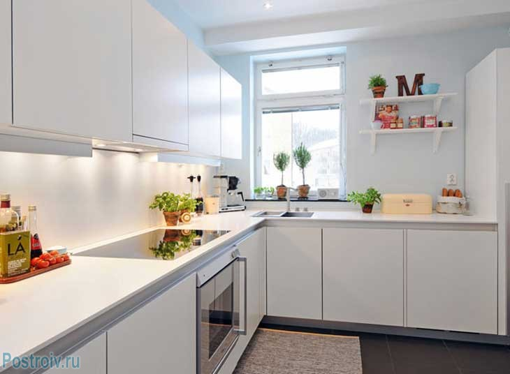 Угловая скандинавская кухня. Фото